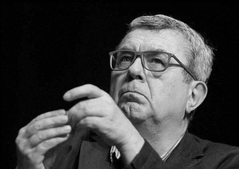 Grzegorz Miecugow – polski dziennikarz i publicysta. Pracował między innymi w Radiowej Trójce, Wiadomościach TVP czy Faktach TVN. Zmarł 26 sierpnia 2017 r.