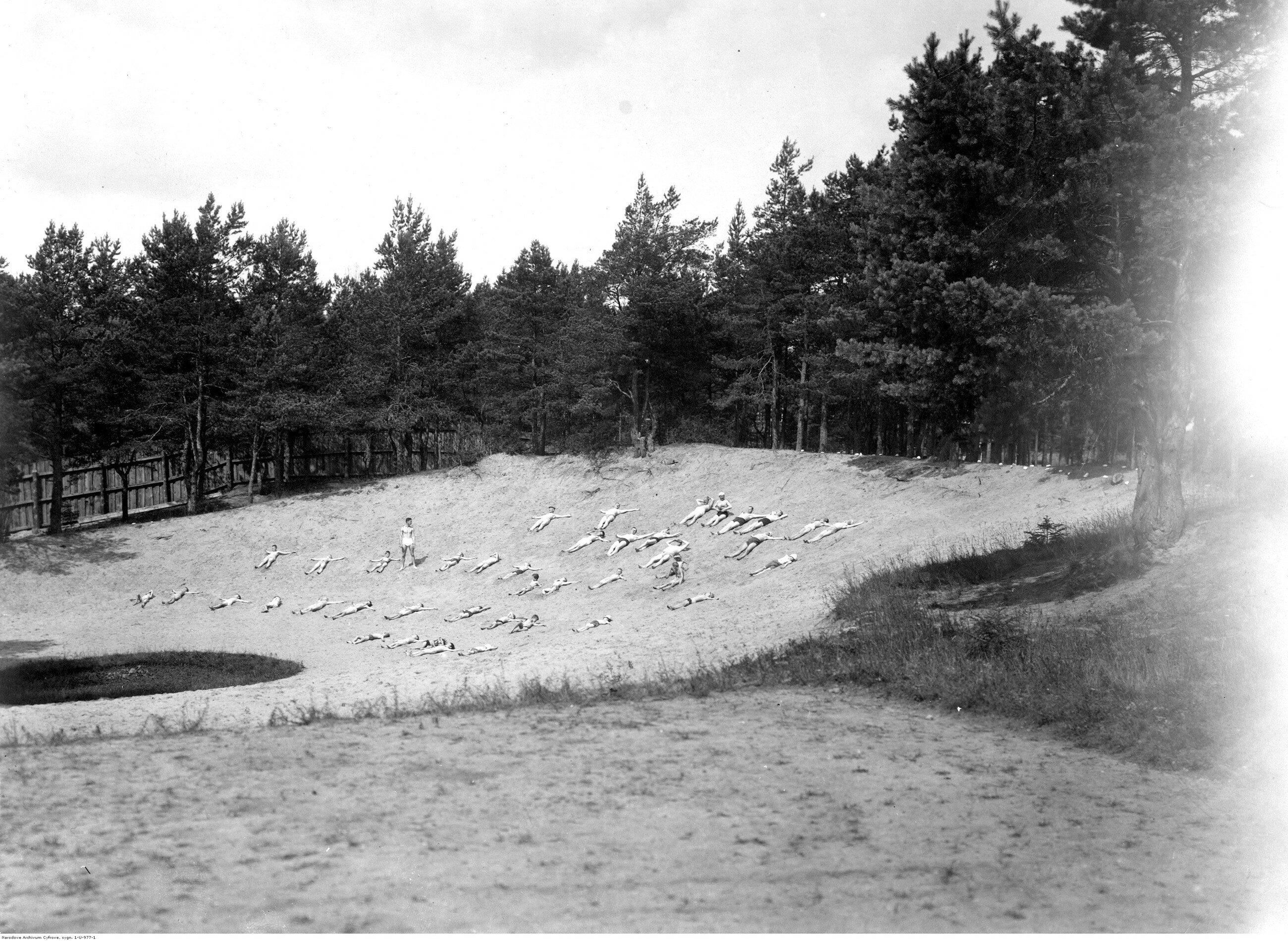 Plaża nad Niemnem Druskielniki na Kresach.