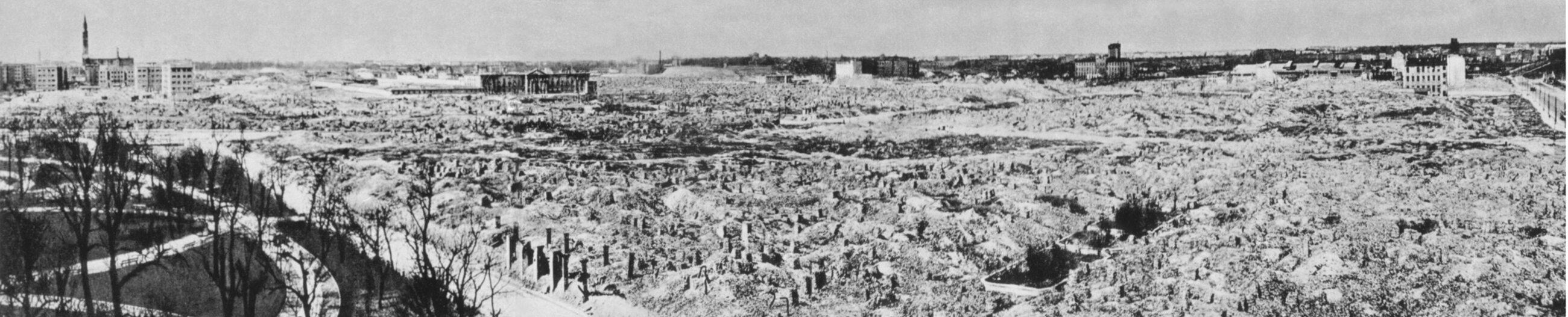 Teren getta warszawskiego po wojnie.